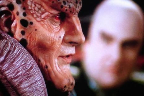 Babylon 5: S04E15: No Surrender, No Retreat