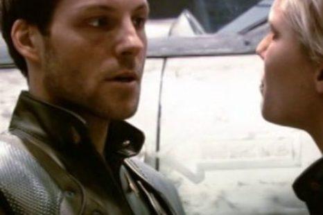 Battlestar Galactica: S01E01: 33