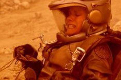 Battlestar Galactica: S01E05: You Can't Go Home Again