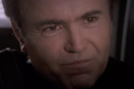 Babylon 5: S04E17: The Face of the Enemy