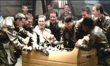 Battlestar Galactica: S01E04: Acts of Contrition