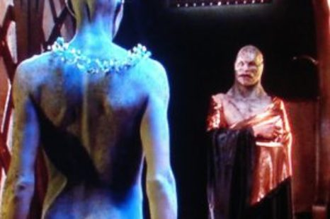 Farscape: S01E04: Throne for a Loss